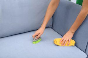 jak czyścić tkaniny obiciowe