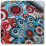tkanina z kolorowym nadrukiem