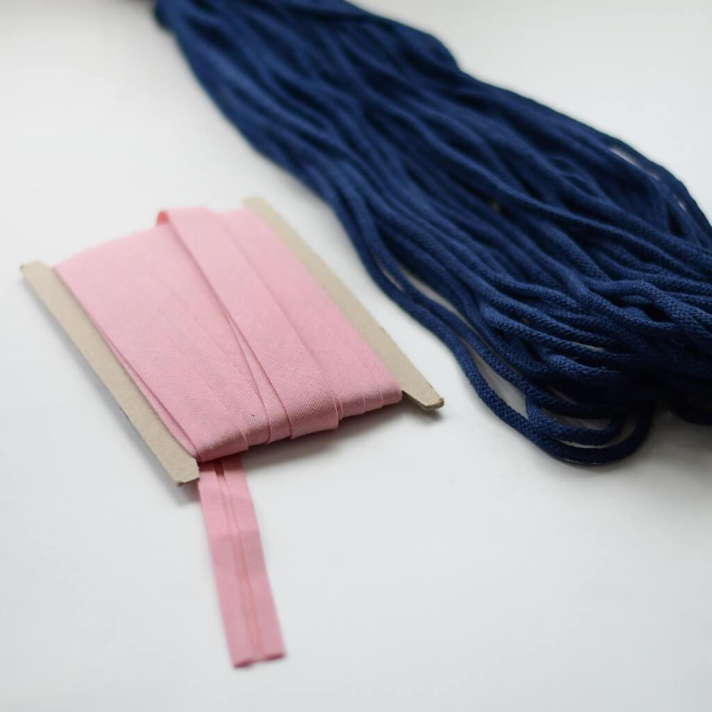 ozdobna lamówka i sznurek